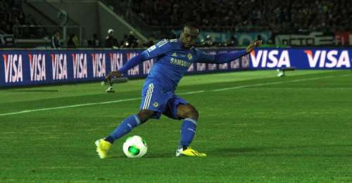 Moses signs two-year contract extension with Chelsea