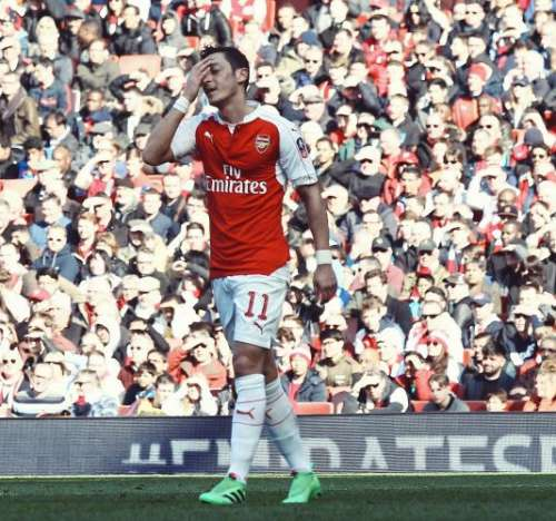 Oliver Khan: Ozil is wasting his talent
