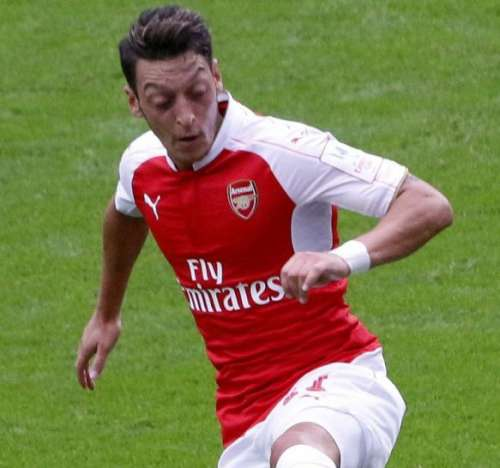 Is Ozil looking to strike gold with possibly one of his last contract negotiations?