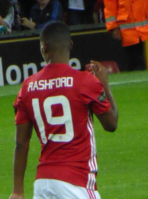 Carragher calls Rashford's and Martial's displays 'embarrassing'