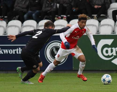 Bellerin predicts a bright future for Reiss Nelson